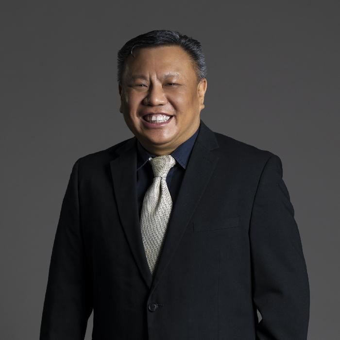 郭仁泉(Mr. Oliver QUEK)